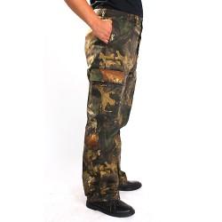 Камуфлированные брюки. Цвет лес